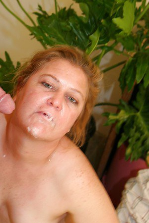 Fatty mature slut gives head and gets shagged for a cumshot on her face