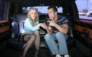 Slutty blonde mom in stockings shows off her blowjob skills in the car