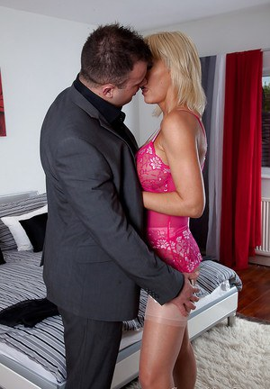 Juggy mature wench in nylons gets fucked with witness of her girlfriend