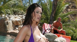 Gorgeous temptress gets fucked and jizzed over her ravishing melons