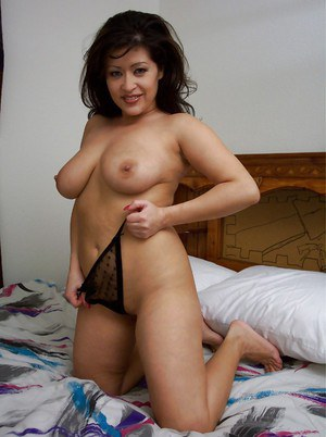 naked short mexican women