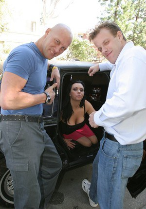 Top-heavy slutty MILF shows off her blowjob skills on the back seat