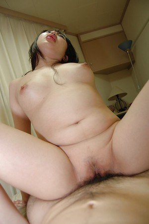 Curvy asian MILF gives a sensual blowjob and gets her pussy boned-up