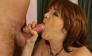 Fatty mature lassie gets shagged and takes her mouth full of jizz