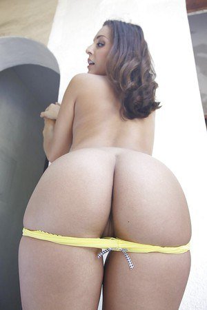 Frisky hottie with smoky eyes and amazing ass slipping off her clothes