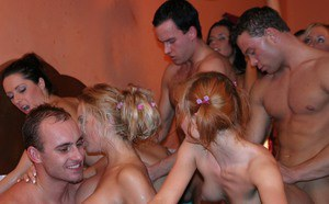Lecherous chicks with tempting curves enjoys a wild groupsex party