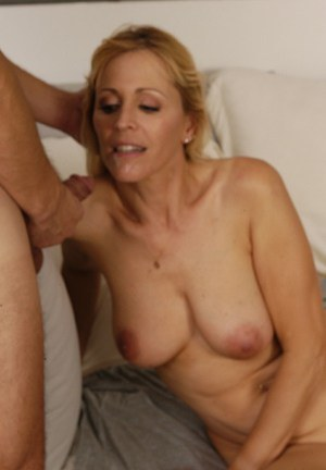 Slutty MILF with shaved twat gets pounded and takes a cumshot in her mouth