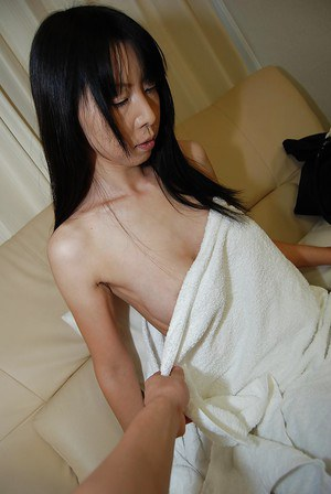 Skinny japanese MILF gives a blowjob and gets her hairy cunt banged tough