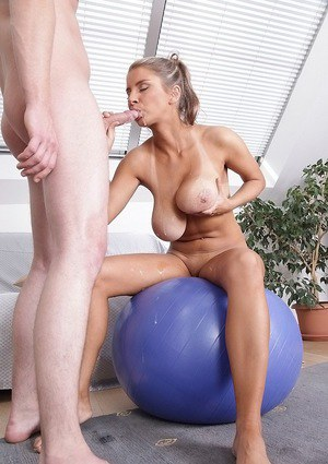 Sporty top-heavy blonde gets fucked and gets her tits glazed with jizz