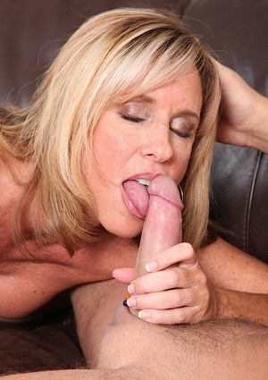 Sultry mature slut gets shafted tough for cum on her tongue and big tits