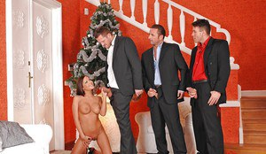 Glamorous brunette slut gets blowbanged by three well-hung lads