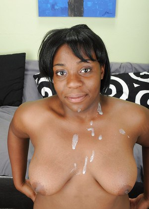 Fatty ebony amateur gets her hairy gash shafted for cum on her rack