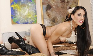 Smiley latina in black boots undressing and spreading her pussy lips
