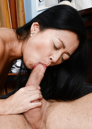 Slutty asian amateur fucks a big boner and gets her shaggy twat jizzed