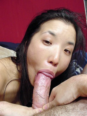 Lusty thai slut gives a proper blowjob and has some 69 fun