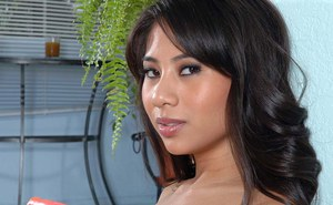 Slim thai floosie with no panties on toying her tight trimmed slit