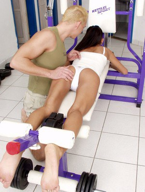 Sporty thai slut with skinny curves gets shagged and facialized