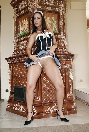 Gorgeous housemaid milf Simone in high-heels masturbates on floor