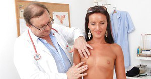 Hairy young babe Promesita gets her beaver checked by evil doctor