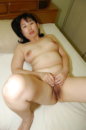 Asian fatty Sumie Nagai sucks wild dick and gets her hairy cunt banged