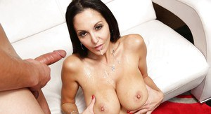 Amazing cougar Ava Addams slurp a heave-weight beaver-cleaver