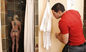 Goodly blonde with big tits Christie Stevens is canned in bathroom