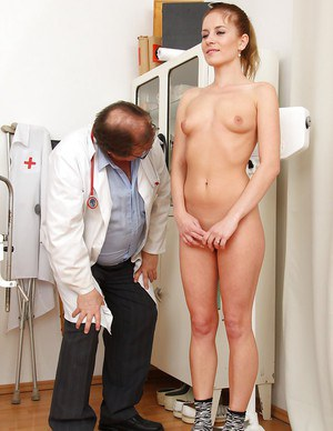Cute chick with fuckable curves goes through her gyno examination