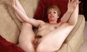 Bright and brilliant hairy milf Maria cherishes her lovely cooze