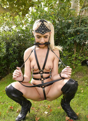 Obedient European fetish babe Chlo Toy plays in dirty BDSM game
