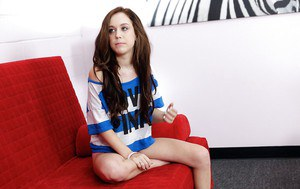 Nice and intelligent teen babe Trinity Rae is an awesome model