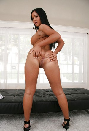 Endearing milf and kind fatty Angelica Heart brings amazing close ups