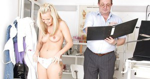 Ritzy and snarky girl Bella Anne gets examined by gyno in glasses