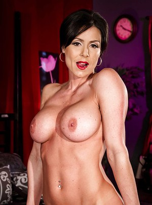 Glamorous MILF with red lips uncovering and exposing her gorgeous body