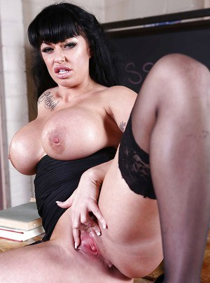 Undeniable sexy milf babe Kerry Louise is a teacher that fucks a lot