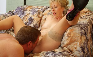 Mature slut in stockings Linda gets right on young and vigorous penis