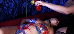 Awesome lesbian Anastasia Pierce gets her body covered with paint