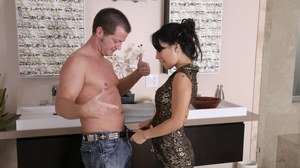 Delectable Asian hooker Asa Akira takes hard object in mouth