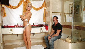 Caring oiled babe Cameron Dee has interesting beef injection