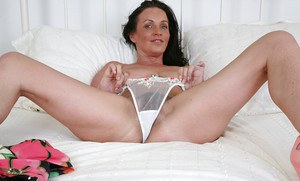 Amazing mature slut Marlyn is turned up and ready for some close up action