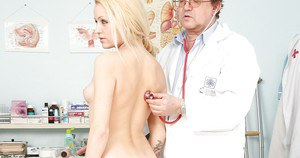 Adele Sunshine and her doctor demonstrate a nice fetish scene