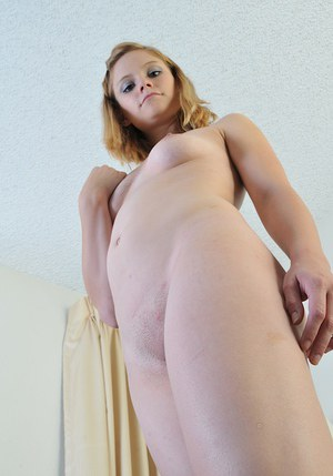 Pretty amateur girlfriend Brittny decided to surprise us with her body
