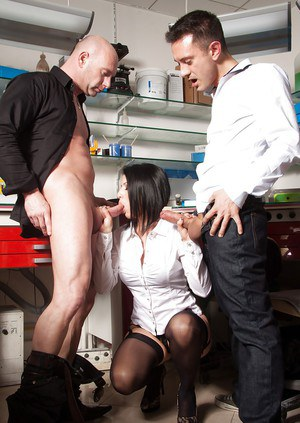 Anal fuck of a sexy office babe Catarina wearing a sweet stockings