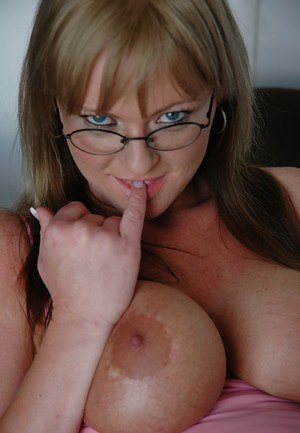 Big tits milf Allison Kilgore is showing her tight pussy in glasses