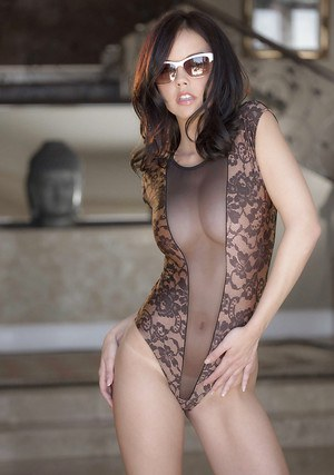 Young babe Dillion Harper showing her awesome body and masturbating