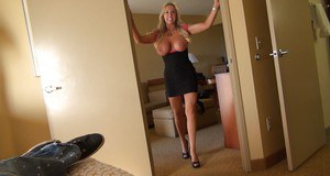 Hot housewife Sandra Otterson has really slender body and big boobs