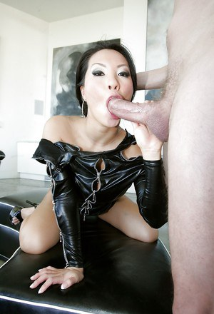 Hardcore anal sex with a beautiful Asian milf Asa Akira and her man