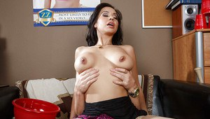 Skinny milf Kimmy Lee is pleased nicely by her younger lover
