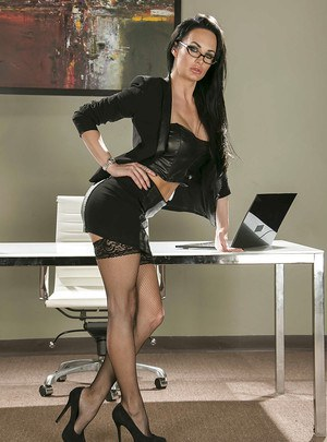 Office babe Alektra Blue is showing her hot ass in tight stockings