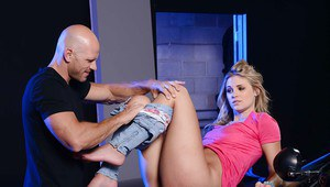 Blonde teen Scarlet Red has her mouth banged with an huge dagger