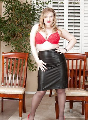 Sweet fatty Victoria Tyler is showing her natural titties in pantyhose